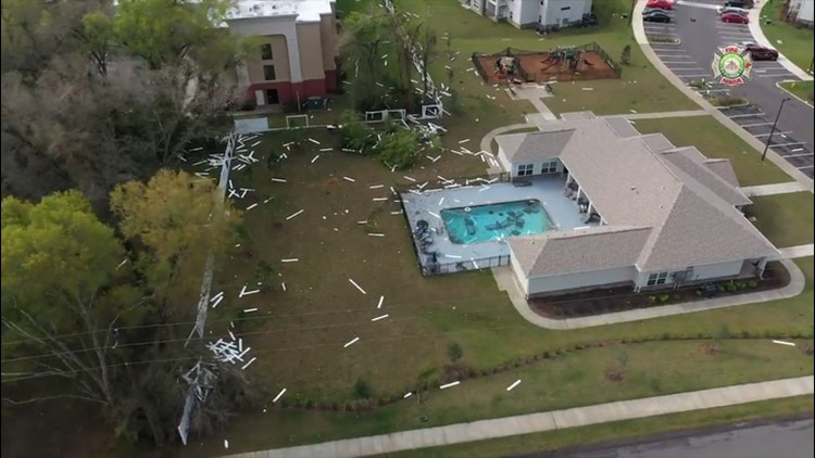Storm leaves trail of damage in Florida