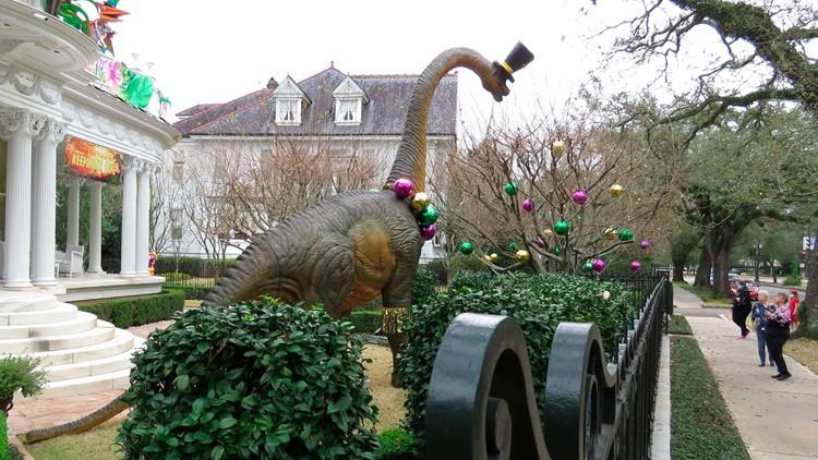 No Mardi Gras parades, so thousands make 'house floats'