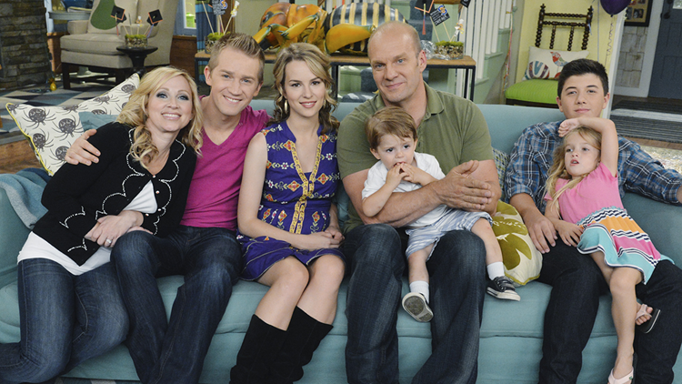 Disney S Good Luck Charlie Cast Reunites For 10 Year Anniversary See Baby Charlie All Grown Up Exclusive Kvue Com