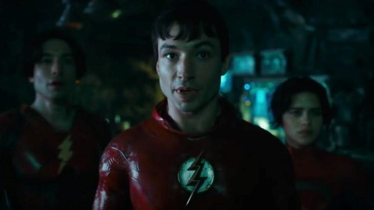 'The Flash' Teaser Trailer Teases Michael Keaton's Batman and Supergirl