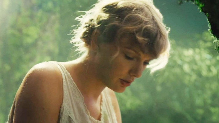 Taylor Swift Shares Original Version of 'The Lakes' for 'Folklore's 1-Year Anniversary