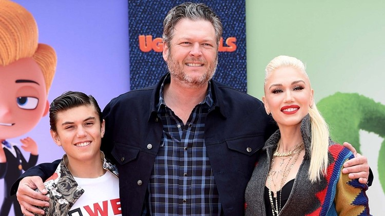 Blake Shelton Showers Gwen Stefani's Son Kingston With Kisses on ...