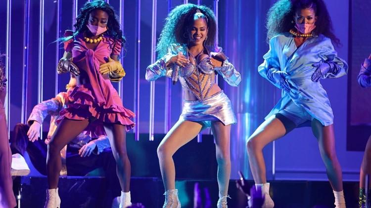 Natti Natasha Delivers Fierce 'Noches En Miami' Performance at Billboard Latin Music Awards