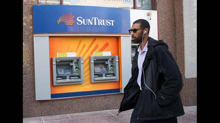 SunTrust says ex-worker may have stolen data on 1.5 million clients