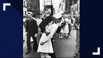 'The Kiss': Central Texas man lives on through iconic photo featured on LIFE