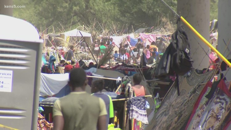 'Unprecedented steps' | Gov. Abbott says Texas is arresting migrants in Del Rio