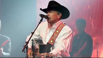 George Strait holds charity auction to benefit families of fallen first responders