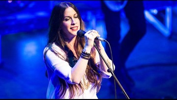 Alanis Morissette celebrating 25 years of 'Jagged Little Pill,' bringing tour to Austin