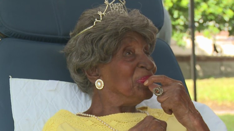 112 years young: Houstonian Elizabeth Francis celebrates her big day in a big way