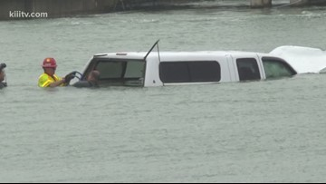 Dive team recovers body of man who drove into Corpus Christi ship channel