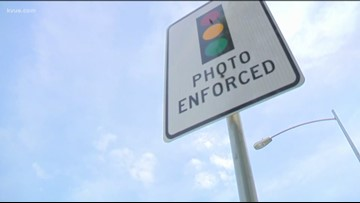 Texas lawmakers send bill to governor that would eventually outlaw red light cameras