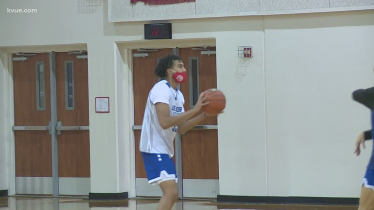 Leander Lions return to basketball practice