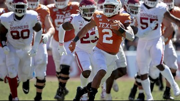 Texas' Roschon Johnson growing in running back role after converting from quarterback