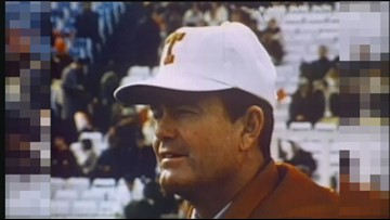 Texas legends Darrell Royal and Bobby Layne to be inducted into Sugar Bowl Hall of Fame