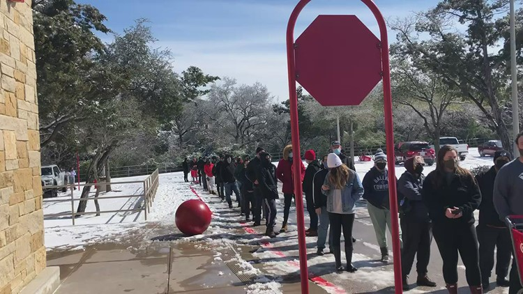 VIDEO: Long line at Four Points Target in Austin