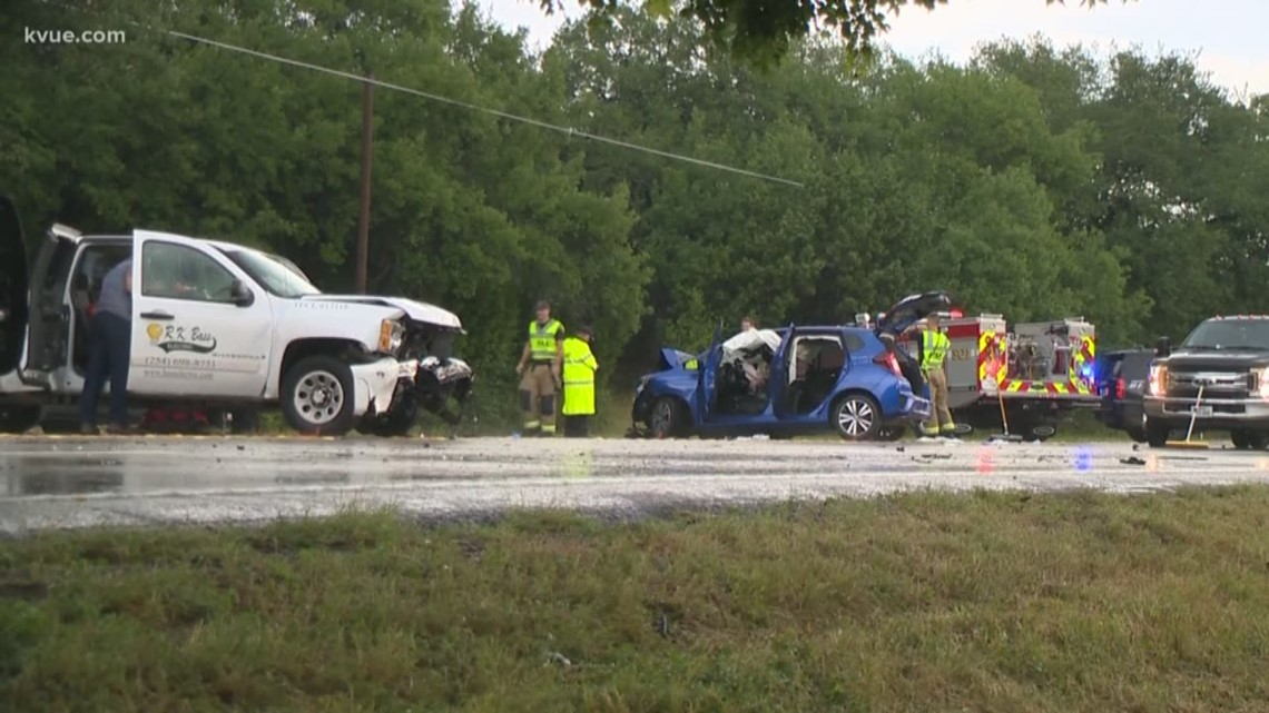 6 people injured in car crash in Liberty Hill