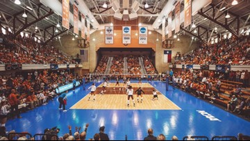 No. 2 Texas Longhorns come back to force 5th set, but get upset by Louisville Cardinals in NCAA Tournament