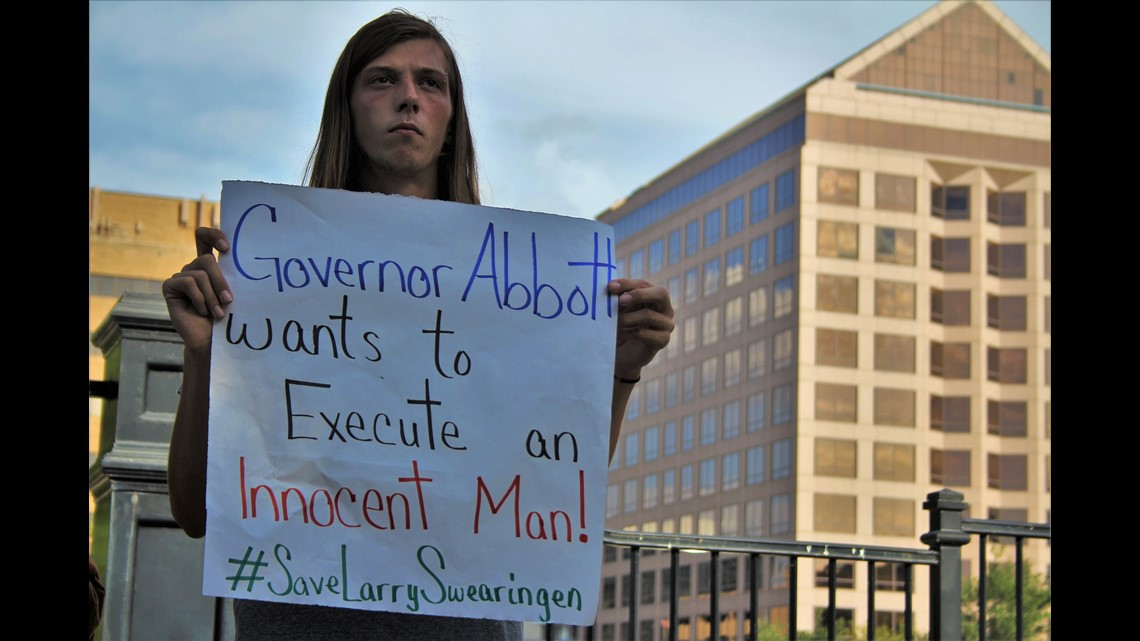 PHOTOS: Group gathers outside Governor's Mansion to protest death penalty