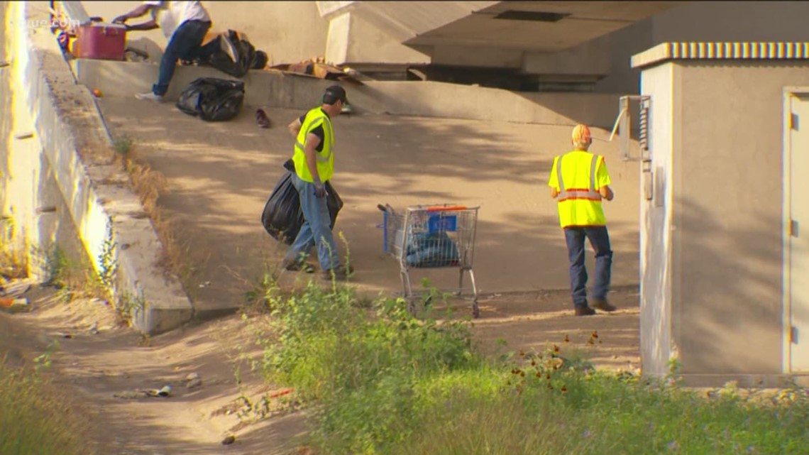 Austin council holds off on changing homeless ordinance amid pushback from UT police