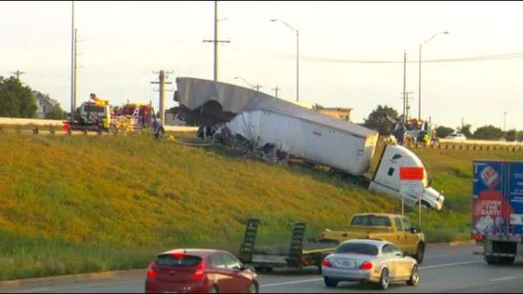 Video: I-35 lanes in Georgetown reopen after crash involving 2 semi-trucks