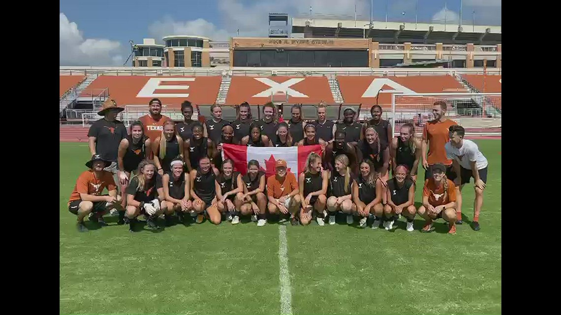 UT Women's Soccer team congratulates Julia Grosso on gold medal