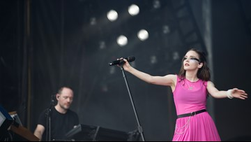 CHVRCHES dedicates ACL performance to female survivors of assault