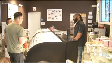 Former UT players, Tennessee Titans tackle baking cupcakes at their shop in Bee Cave