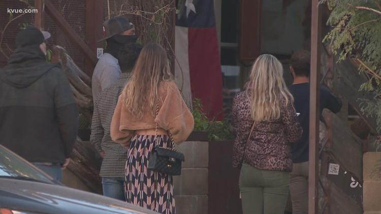 Super Bowl LV watchers gather at Downtown Austin bars