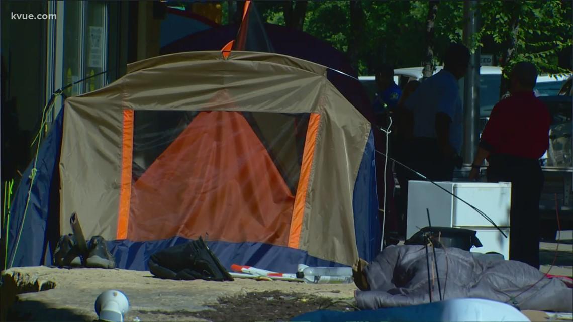 Crews clear tents at Austin City Hall, arrest 7