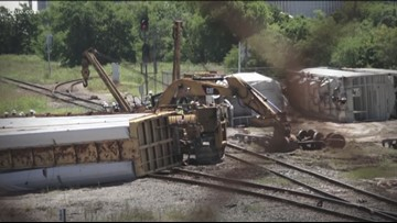 Freight train reportedly derails in Taylor in Williamson County