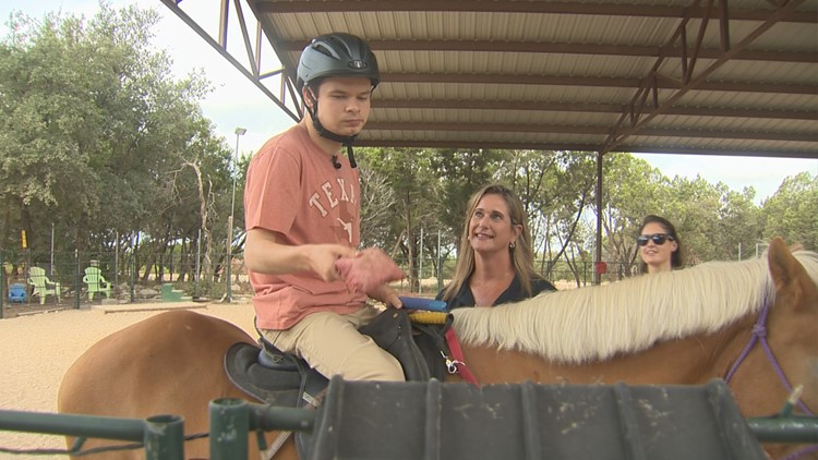 horse therapy leander