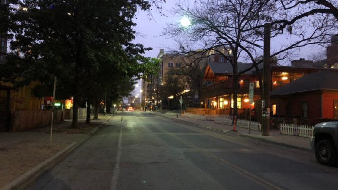Rainey Street no longer allowing cars on weekend nights to limit traffic