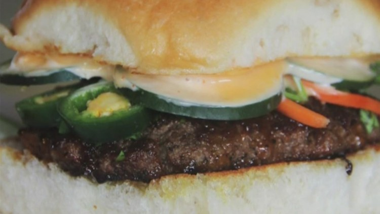Foodie Friday: What makes the burgers at Moonie's Burger House so great?