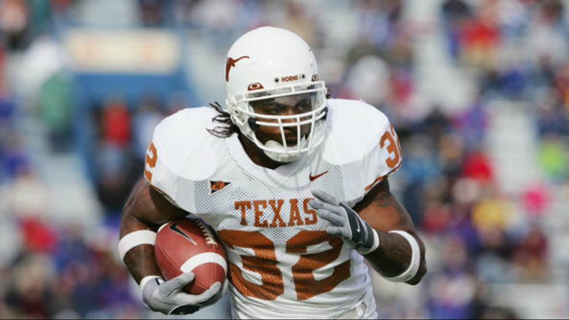 Heb Gas Prices >> NFL running back, former Longhorn Cedric Benson killed in ...