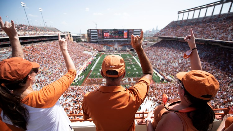Texas Athletic Director apologizes for DKR fan experience amid stadium staffing issue