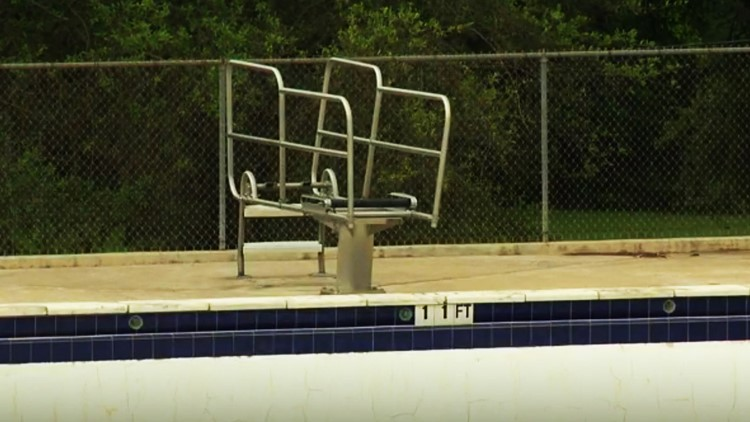 Austin Parks and Recreation gives update on Givens District Pool renovations