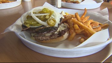 Foodie Friday: Burger Tex serving up fresh buns, burgers since 1973