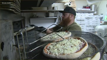 Austin pizza shop donates pizzas to doctors, first responders