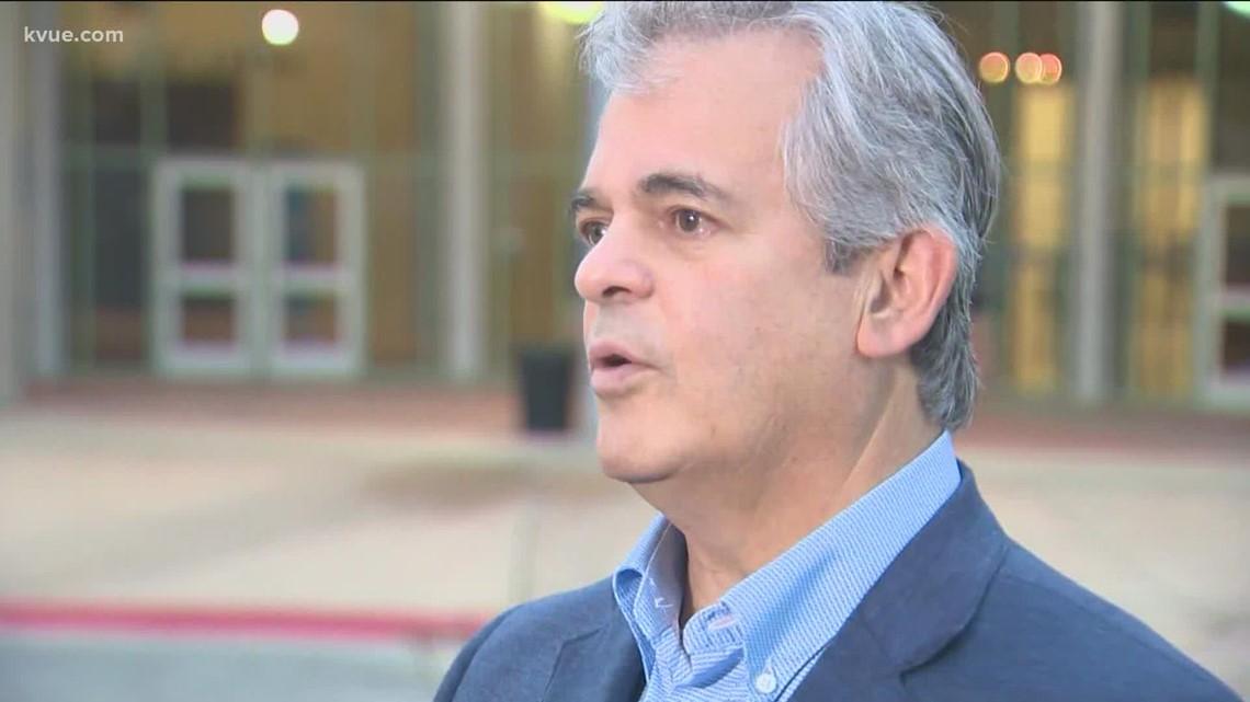 Austin Mayor Steve Adler votes in November 2021 election