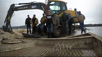 Kingsland community members remove thousands of pounds of flooding debris from Lake LBJ