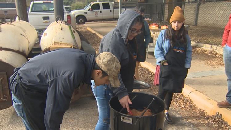 Pitmasters: Meet the Austin ISD barbecue club competing across Texas