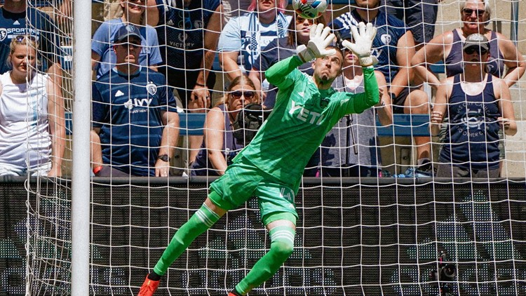 HIGHLIGHTS: Austin FC's Brad Stuver stands tall in 1-1 draw against Sporting KC