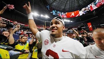 Alabama's Jalen Hurts announces transfer to Oklahoma