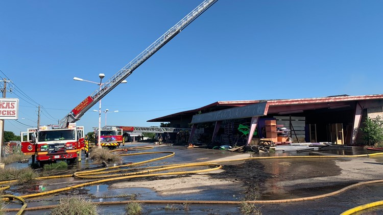 115 people to receive X-rays after potential exposure to asbestos at Austin warehouse fire