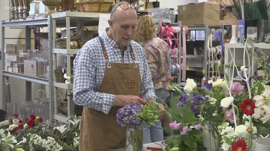 Global flower shortage forces local flower shops to get creative on Mother's Day