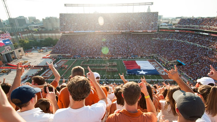 Big events like ACL, Longhorn football not likely by end of 2020, Austin health official says