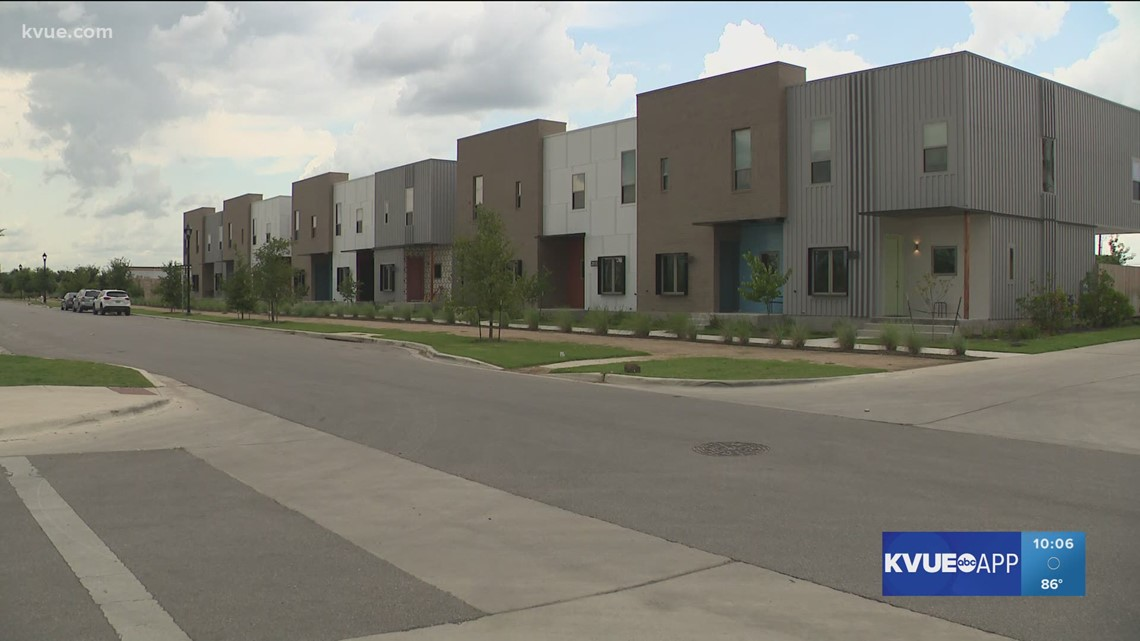 Families move into Austin Habitat for Humanity's affordable Mueller townhomes