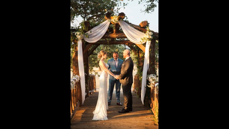 APD Officer Rob Brady marries Jessica Strand after Brady's cancer diagnosis
