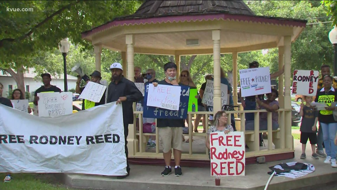 Rodney Reed supporters rally at Bastrop County Courthouse