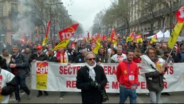 Parisian Commuters See Near Transportation Halt as Nationwide Strike Continues